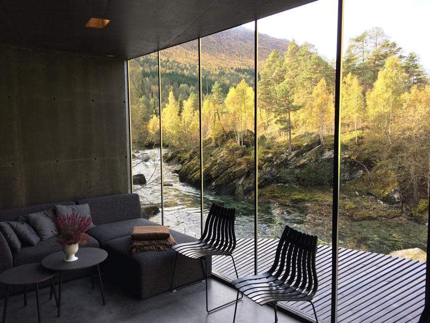 room-in-icelandic-hotel