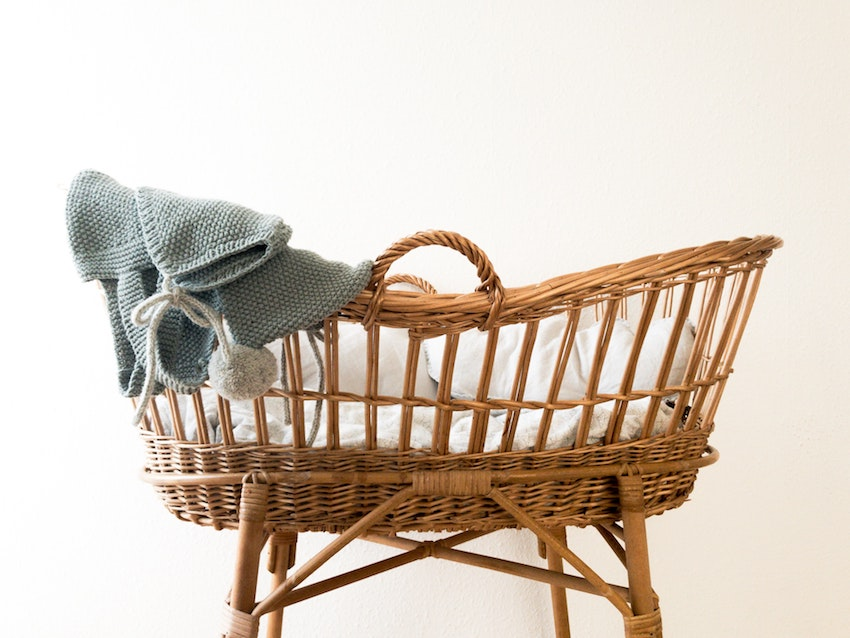 Wicker baby crib
