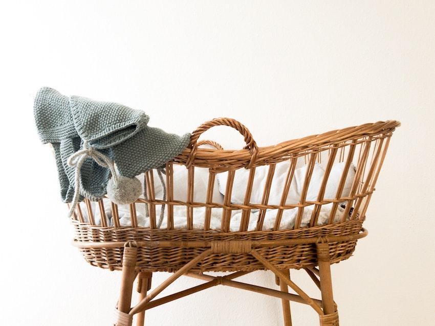 Wicker baby crib